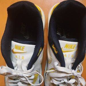 Nike Shoes - SOLD *RARE* NIKE AIR MAX